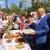 Виктор Назаров на фестивале калача купил у детей торт за 5 тысяч рублей