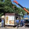В Омске активно убирают незаконные киоски
