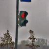 В Омске у пешеходов забрали 12 секунд зеленого сигнала светофора