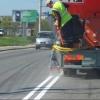 Омские дорожники завершают наносить разметку на Красном Пути