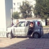 В Омске на Дмитриева автоледи «примагнитилась» к магазину