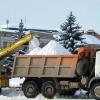 В Омске за сутки вывезли 5 тысяч кубометров снега