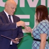 Глава Омской области вручил ключи от автомобилей лучшим аграриям региона