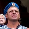 Омские десантники проехались по городу на БТРе