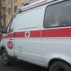Омич почти оторвал дверь машины скорой помощи, когда его мать увозили в больницу