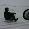 Молодой сельчанин в Омской области попал под колеса, улетев с санок