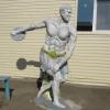 Омские осужденные создали трехметровую статую атлета