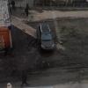 В Омске автоледи оставила внедорожник на пешеходной дорожке