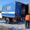 Машины, скованные льдом на Левобережье Омска, освобождали паровой установкой