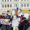 Омская молодежь устроила шествие «Дорогая, ты права!»