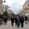 Аким Павлодарской области в Омске возложил цветы к памятнику Валиханову