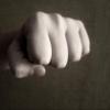 Неизвестные избили и похитили подростков в поселке под Омском