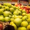 Двое омичей украли со склада фруктов на 16 тысяч рублей