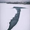 Омский фотограф заснял полынью необычной формы