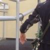В день приезда Александра Жукова омичка приковала себя наручниками рядом с Приемной Президента