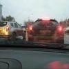 В Омске водитель включил «аварийку» чтобы перевести бабушку через дорогу