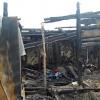 В Омске после пожара семья из 9 человек осталась без дома, документов и вещей