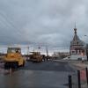 Возле Юбилейного моста в Омске укладывают новый асфальт