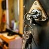 Омичка добилась права оставаться в квартире, в которой прожила уже 25 лет