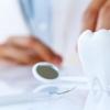Как современные стоматологи восстанавливают потерянные зубы?