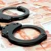 Омские экс-полицейские вымогали 1,5 млн рублей у обвиняемого