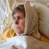 Омич не хочет забирать домой из МСЧ №4 парализованную бабушку