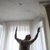 В Омской области во время дождя были затоплены четыре квартиры