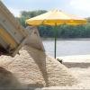 На омские пляжи завезут более 500 тонн песка