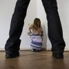 Житель Омской области, изнасиловавший свою дочь, сядет на 13,5 лет