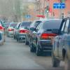 В Омске таксисты подняли цены из-за жары