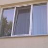 В Омске умерла двухлетняя девочка, выпавшая из окна