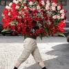 Кому какие цветы нужно дарить