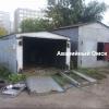 В Омске на Левом берегу злоумышленник режет ворота на гаражах