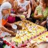 Омичей бесплатно угостят натуральным тортом