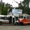 В столкновении маршрутки и трамвая пострадали 4 омички