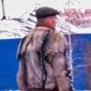 Зима близко: в соцсетях обсуждают омича в куртке из волчьей шкуры