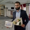 Самому лучшему врачу Омской области вручили сертификат на автомобиль