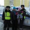 Омские автоиспекторы спасли женщину и ее 4-летнюю дочь от переохлаждения