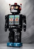 Юные техники создают робогида