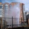 В центре Омска забил 10-метровый фонтан из теплотрассы