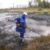 Землю   под   мазутными   озёрами  в посёлке Степном рекультивируют