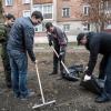 Омские госслужащие наводят в городе чистоту