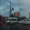 В Омске пьяный водитель устроил два ДТП и сбежал (видео)