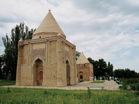 Айша-Биби мавзолеи