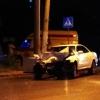 Ночью в Омске иномарка и скорая помощь не поделили перекресток