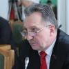 Омскому депутату не получилось добиться увеличения зарплаты своим помощникам