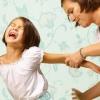 В Калачинском районе Омской области мать ставила дочь коленями на соль