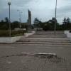 На Иртышской набережной продолжает обваливаться плитка