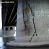 Омский рыбак заснял на видео трещину на опоре Ленинградского моста