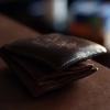 Омский пенсионер вернул владельцу потерянный кошелек, вынув из него 11 000